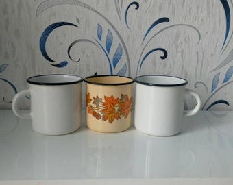 Ensemble de tasse d'émail cru 3, tasse d'émail vintage, vintage mug, tasse d'émail, rende vintage, ustensiles de cuisine vintage, vintage soviétique, émaillé