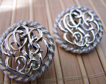 "Vintage 70's ""STAR"" CLIP-ON Earrings  Silver Toned Round Rope Design"