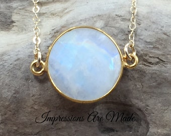Moonstone Necklace, Rainbow Moonstone Necklace, White Necklace, Natural Stone Necklace, Gold Necklace, Circle Necklace