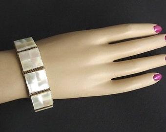 Vintage Bracelet, Mother of Pearl, MOP, Mesh Jewelry, Costume Jewelry, Womens Jewelry Accessories, Dressy Bracelet, Pearl Bracelet