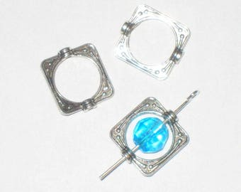 24 frames with Pearl / silver 15 mm x 14 mm square bead cages