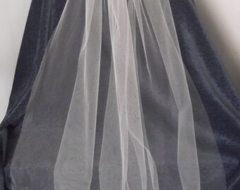 """107 cm 42"""" Single Tier Bridal Veil available in white or ivory colours"""