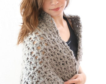 PDF DIGITAL PATTERN:Easy Crochet Shawl Pattern, Chunky Shawl Pattern, Gray Shawl, Crochet Wrap Pattern,Vintage Crochet Shawl,Retro Shawl