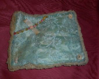 """Hanky Folder/Holder 10x8"""" Blue Green Lace and Ribbon Work with pale yellow interior (FFs1191)"""