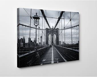 BROOKLYN BRIDGE WALK – 20 x 24 Inch New York Cityscape Canvas Picture Stretched On A Wooden Frame