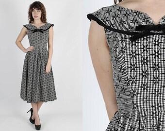 50s Dress Black Dress Velvet Dress Gingham Dress Vintage 1950s Dress Rockabilly Bombshell Holiday Pinup Knee Length Full Skirt Gown Small S