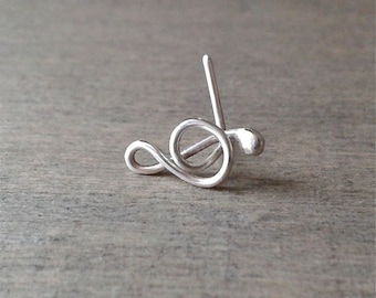 Treble clef earring, sterling silver tragus earring, treble clef note earring for pierced tragus, G clef earring, music jewelry, trago