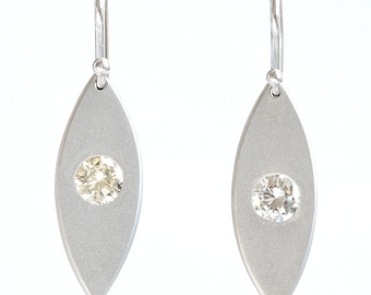 Diamonds platinum earrings | Dangling drop | 0.67 ct | handmade | original design | reclaimed | recycled