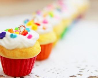 Rainbow Sprinkle Cupcake Necklace - polymer clay food, miniature food, food jewellery, food necklace, handmade gift, handmade jewellery