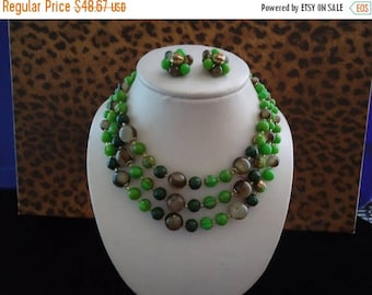ON SALE Vintage Green Lucite Demi Parure 1950's 1960's Signed Japan Collectible Necklace Earring Set Mad Men Mod Retro Chunky Wide Black Tie