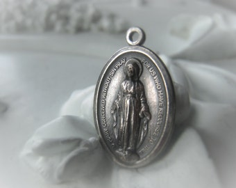 Blessed Virgin Mary Medal Religious Charm Item No. 1037 8278