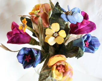 Buy 5 Get One FREE Handmade Fabric Tulip Bouquet, Everlasting Bouquet for Wedding, Bridal Eco Friendly, Unique Wedding Bouquet, Fabric Tulip