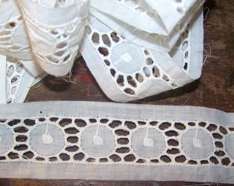 VINTAGE Eyelet Embroidered Trim With Circle Design French Heirloom Sewing