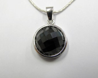 Onyx Round Pendant Necklace.