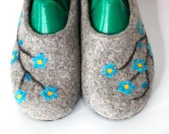 Natural grey slippers Women shoes Handmade slippers house  felted shoes - wool house shoes - felt shoes - felted wool shoes warm slippers