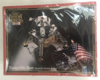 Revell History Makers Tranquility Base Model Kit 1982 1:48 scale Apollo XI Lunar Module NASA Spacecraft Memorabilia Factory Sealed