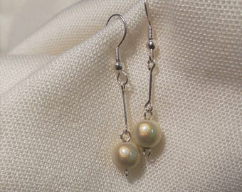 Iridescent glass earrings in cream and silver