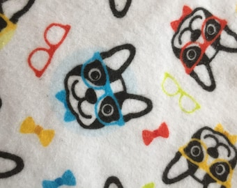 a  dog with glasses print fitted crib /toddler sheet