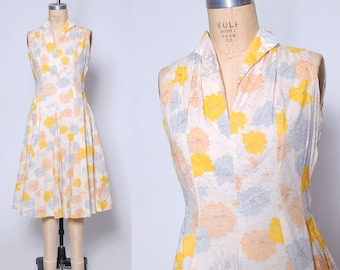 Vintage 40s floral day dress / cotton day dress / sketch print floral dress / sleeveless summer dress / garden party dress