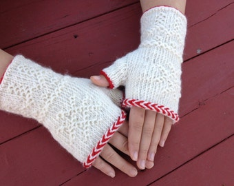 Twined Textured Fingerless Mitts