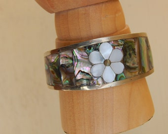 Vintage Inlaid Abalone and Mother of Pearl Cuff, Bracelet from Mexico, Hippie Boho Jewelry, Small Cuff, Floral Bracelet, Retro Cuff