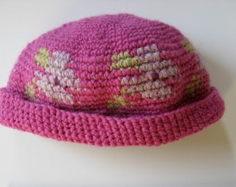 girl's wool hat with flowers