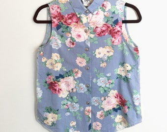 Vintage lightweight floral sleeveless button up top blouse