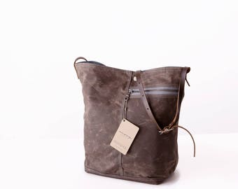 Tote no. 1 in Brown waxed canvas