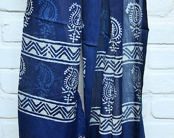 Ethical Blue Stole with White Block-Printed Pattern