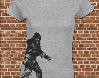 THE SQUATCH Women's Junior Fit T-Shirt - all sizes available - funny bigfoot yeti sasquatch research hunting finding team vintage tee UG592