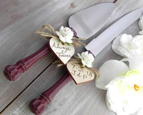 Rustic Chic Wedding Cake Server And Knife Set Burgundy with Ivory Flower and Personalized Wood Hearts Bridal Shower Gift Wedding Gift