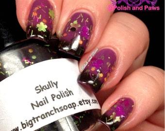 """Color Changing Thermal Nail Polish - Skulls - Sugar Skulls - FREE U.S. SHIPPING - """"SKULLY"""" - Black/Purple  - Temperature Changing"""
