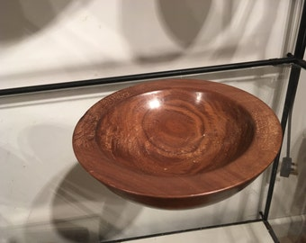 Bowl - Walnut bowl, gold appearance