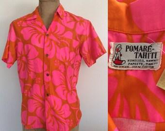 1970's Mens Vibrant Hawaiian Button Up