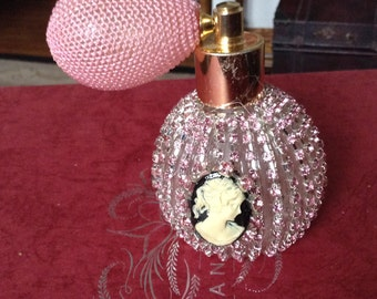 Jeweled pink perfume bottle 4 inches with atomizer
