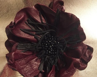 Bordeaux poppy Brooch