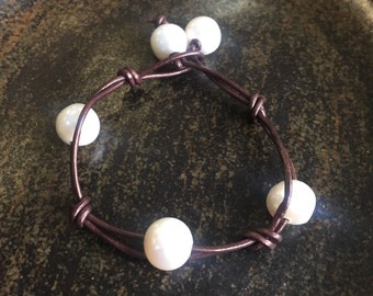 Leather & Freshwater Pearl Bracelet