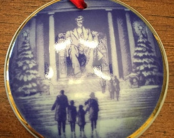 MAYniaSALE 1997 Christmas Eve at the Lincoln Memorial, Bing & Grondahl annual Christmas in America Plate