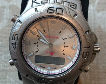 Gents Kahuna Stainless Steel Dual Time Watch AK1C-0001G                                                              .