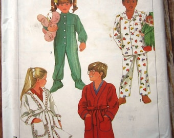 Childs Pajamas, Robe and Sleeper Size Large (6-6X) Vintage 1980s Simplicity Pattern 7199 UNCUT