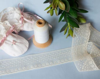 French Valenciennes Lace (LFV112EDG433) - 1 1/2 Edging