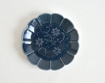 Embossed Clematis florida flower Dish 6.3 in (Blue) ; Haruya Abe (17006302-cB)