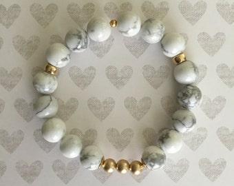 Stretch Bracelet. Handmade jewelry. Marble bracelet. White Howlite Beads. Gray and white bracelet. Classic bracelet.