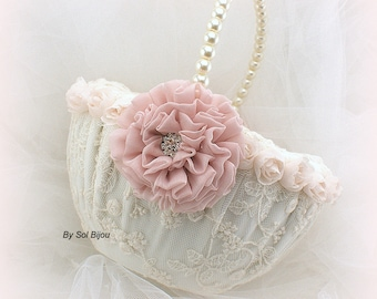 Lace Wedding Flower Girl Basket with Rose Blush Flower and Pearl Handle, Vintage Gatsby Style
