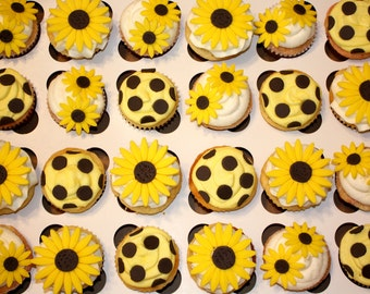 DAISIES AND DOTS  -  Fondant Cupcake, and Cookie Toppers - 1 Dozen