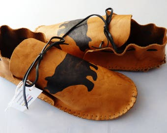 Adult leather moccasins men's size 9, deer tanned cowhide, regalia, house shoe, dance shoe, moccasin, fringed moccasin