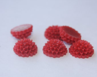 10 SMALL ROUND MUM Cabochons - 14mm - Red Color