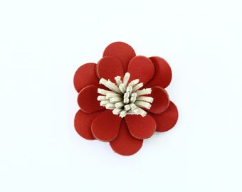 Barrette / clip in red leather