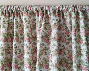 Linen curtains Curtain panels Kitchen curtains Linen cafe curtains Shabby chic curtains Linen Drapes Custom curtains Window curtains