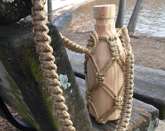 Macrame Water Bottle Holder in Tan
